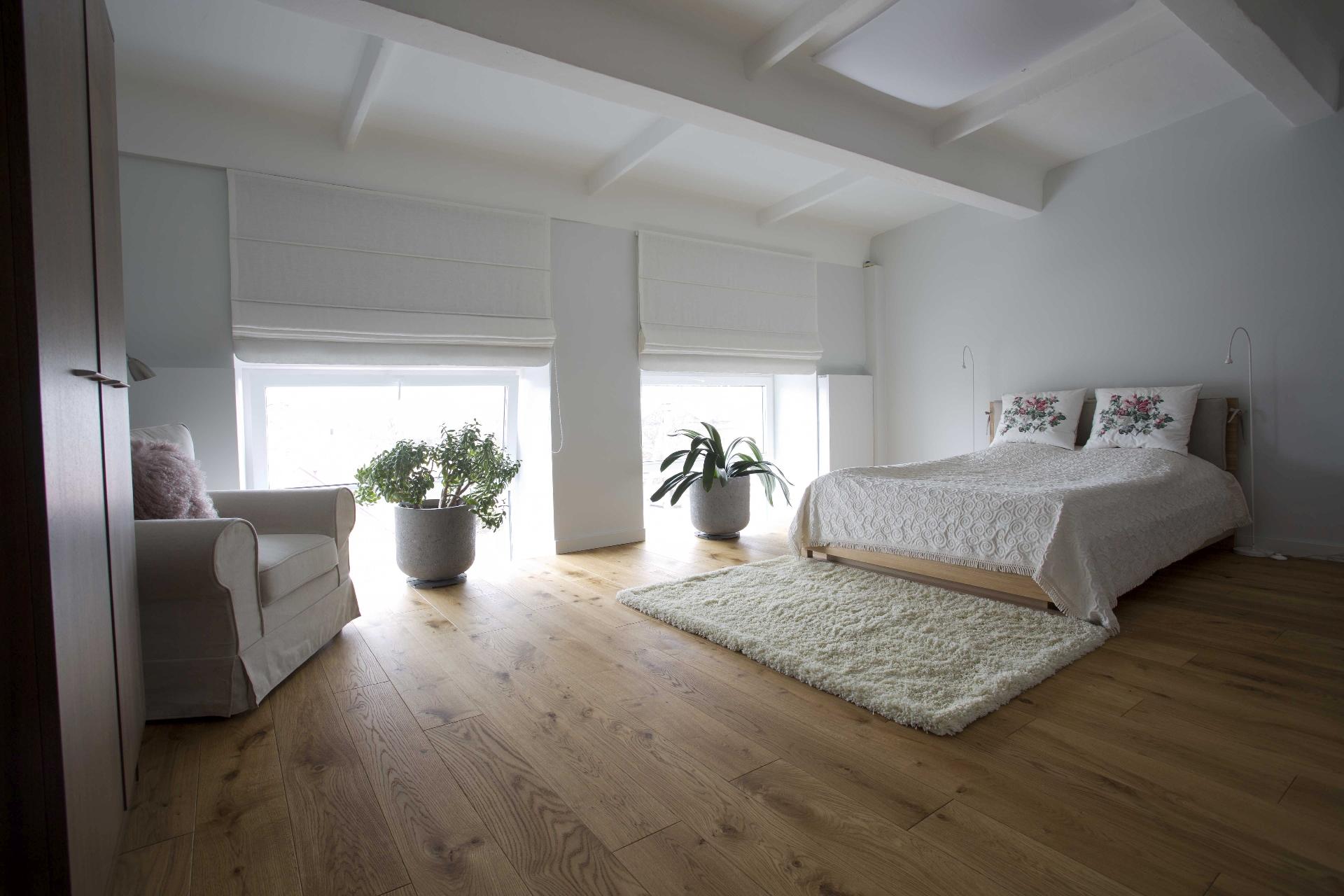 Loft. Oak floorboard, 3305 Colorless oil