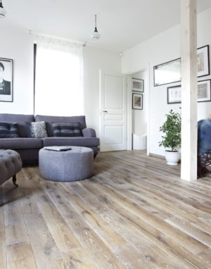 Oak floorboard, Rustic, steamed, brushed, color 3409 Clear white