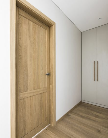 Solid oak wood door